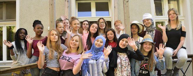 Kontakt- und Koordinierungsstelle für Mädchenarbeit: Wertschätzung für Mädchen und junge Frauen